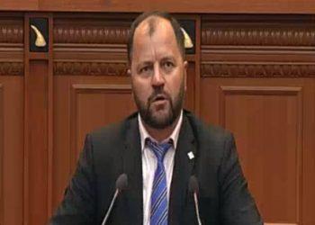 Lefter Maliqi nuk lë gjë pa thënë nga foltorja e Kuvendit: Hiqini, mos kini frikë