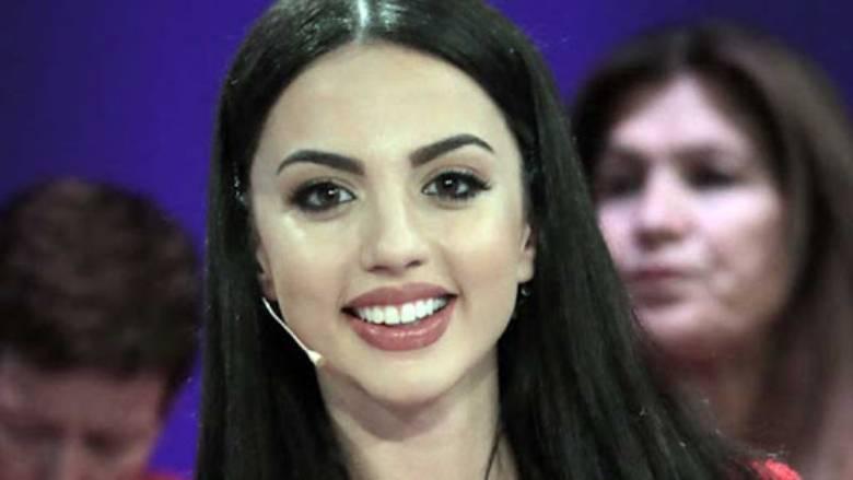 A ka bërë ndërhyrje në fytyrë? Moderatorja e sportit flet 'troç' (FOTO)