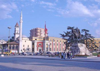 Gazetat e huaja: Tirana do të jetë kryeqendër biznesi pas pandemisë