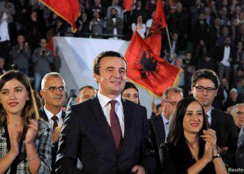 LAJMI I FUNDIT/ Kurti mbetet kryeministër, Gjykata Kushtetuese pezullon dekretin e Thaçit për Hotin