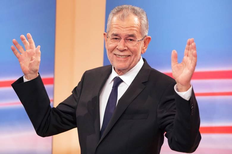 Presidenti bashkë me bashkëshorten shkelin rregullat! Ulet në restorantin shqiptar por biznesi rrezikon gjobën marramendëse, ja vendimi i tij