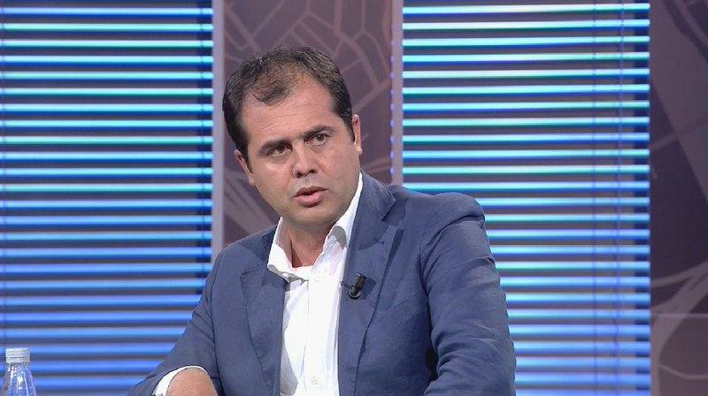 """""""Jemi përballë tërmetit"""", Bylykbashi del me paralajmërimin e fortë: Kjo do të çojë në rrugë të rrezikshme"""