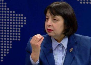 A do bëhen maskat me detyrim në Shqipëri? Përgjigjet Silva Bino nga ISHP-ja