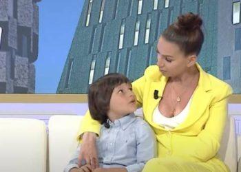 Prezantoi për herë të parë publikisht djalin e saj të birësuar, moderatorja shqiptare zbulon arsyen e këtij vendimi të papritur