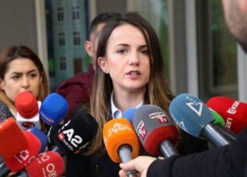 Propozoi ligjin për referendumet, Rudina Hajdari i drejton thirrjen e fortë Bashës: Nuk mund të rikthehet prapë në krahët e Ramës