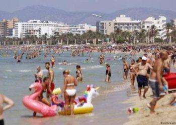 Mjekët gjermanë paralajmërojnë për një valë të dytë COVID-19 para pushimeve