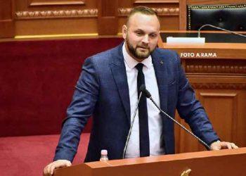 Deklarata e deputetit shqiptar në Parlament: Ta dënojmë me vdekje, kush ngacmon fëmijët të varet (VIDEO)