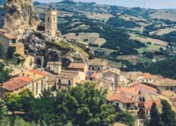 Ky është fshati në Itali që ofron akomodin falas për turistët, arsyeja do t'ju habisë (FOTO)