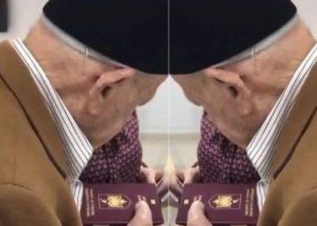 I moshuari e puth dhe nuk ndal lotët, pas 100 vitesh merr më në fund pasaportën shqiptare (VIDEO)