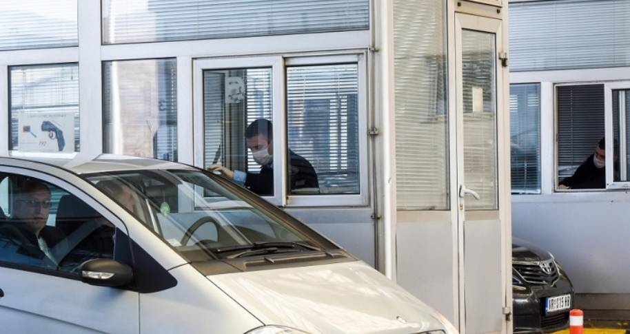 Ndodh në Serbi, testet negative për Covid-19 mund të blihen në pompa të benzinës