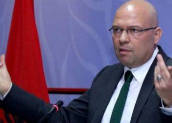 """Manjani përgëzon Sandër Lleshajn: I dha një """"grusht"""" të rëndë propagandës që sundon"""