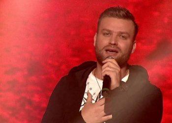 'Më mban mirë', Mateus Frroku flet për të dashurën këngëtare