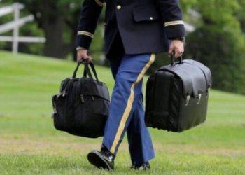 Si funksionon valixhja e zezë që mban me vete çdo president i SHBA-së