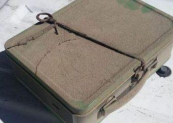 Gjen një valixhe në bodrumin e shtëpisë, gati e lëshoi zemra pasi e hapi