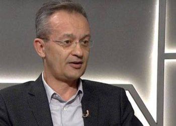 Mjeku i njohur shqiptar letër politikanëve pas rritjes së rasteve me Covid-19, tregon skandalin që po ndodh