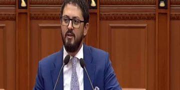 """""""Këtu ka deputetë me 7-8 mijë vota"""", Andi Përmeti lëshon thirrjen e fortë në Kuvend"""