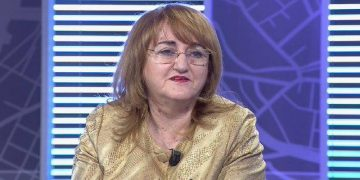 Rakacolli tregon se kush po e përhap koronavirusin në Shqipëri: Vatrat nuk lindën në spital