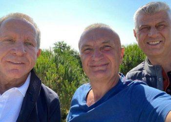 Para nisjes për në Hagë! Thaçi, Pacolli dhe Meta takohen në Gjirin e Lalzit (FOTO)