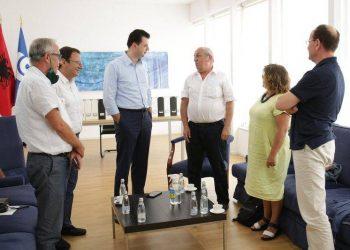 Basha zbardh takimin me anëtarët e Komisionit të Vlerësimit: Nis një epokë e re