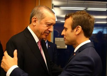 Franca nxjerr ushtrinë dhe i del krah Greqisë, Macron mesazh të fortë Erdoganit