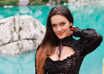 Klaudia Pepa 'habit' fansat me pozën e saj si sirenë (FOTO)