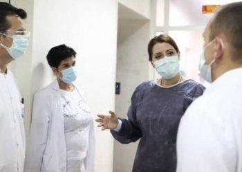 Ministrja Manastirliu bën paralajmërimin: Nëse numri i të infektuarve rritet përtej kapaciteteve tona
