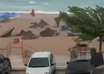 Moti i keq ka përfshirë vendin, shikoni çfarë la pas stuhia në bregdet (FOTO)