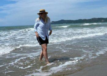 """""""Kjo nuk më bën më pak grua tërheqëse"""", Rozana Radi ka diçka për të thënë me këtë foto nga plazhi"""