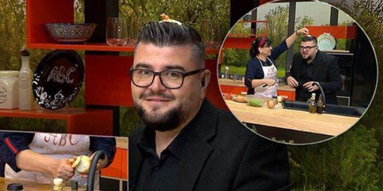 Befason moderatori i njohur shqiptar, vendos qepën mbi kokë në mes të emisionit, kur të mësoni arsyen e sigurt që do ta provoni edhe ju