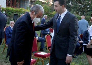 """Ish Kryeministri Sali Berisha dhe Kreu i PD Lulzim Basha gjate ceremonise ku ish Presidenti, Rexhep Meidani u vleresua me """"Dekoraten e Flamurit Kombetar"""", ne 76-vjetorin e tij te lindjes. Dekorata iu dha ish-presidentit me motivacionin """"Ne shenje vleresimi dhe mirenjohjeje ndaj pergjegjesise se larte shteterore dhe atdhetare te treguar si President i Republikes se Shqiperise ne vitet 1997-2002""""./r/n/r/nFormer PM Sali Berisha and DP Leader Lulzim Basha during the ceremony where former President Rexhep Meidani was awarded the """"National Flag Decoration"""", on his 76th birthday. The award was given to the former president with the motivation """"As a sign of appreciation and gratitude for the high state and patriotic responsibility shown as President of the Republic of Albania in the years 1997-2002""""."""